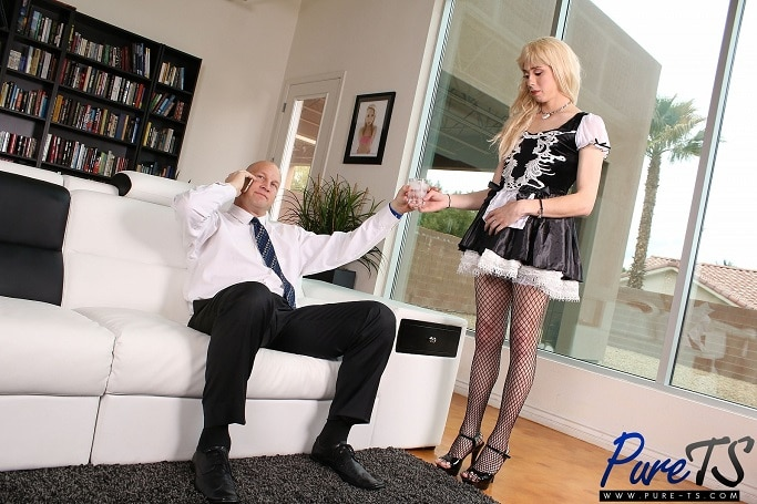 Obedient ts maid does what she is told 10